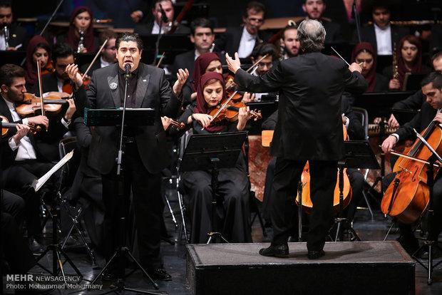 ضیافت موسیقی ایرانی در مدرسه بزرگان/ جای فوتبالیستها خالی است