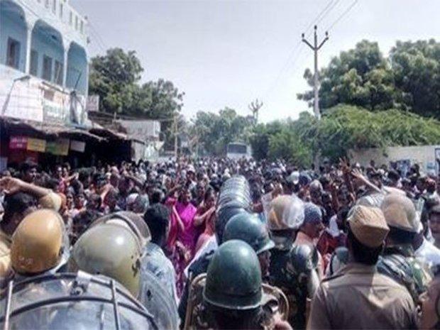 ہندوستان میں مظاہرین پر پولیس کی فائرنگ سے 9 افراد ہلاک