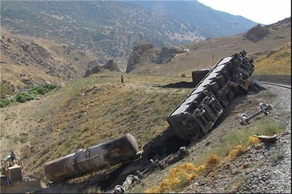 Iranian cargo train en route to Turkey derailed in NW Iran