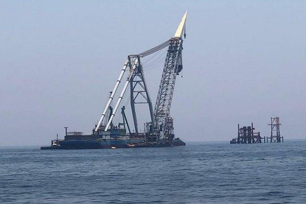 نخستین سکوی دریایی فازهای ٢۴-٢٢ پارس جنوبی نصب میشود