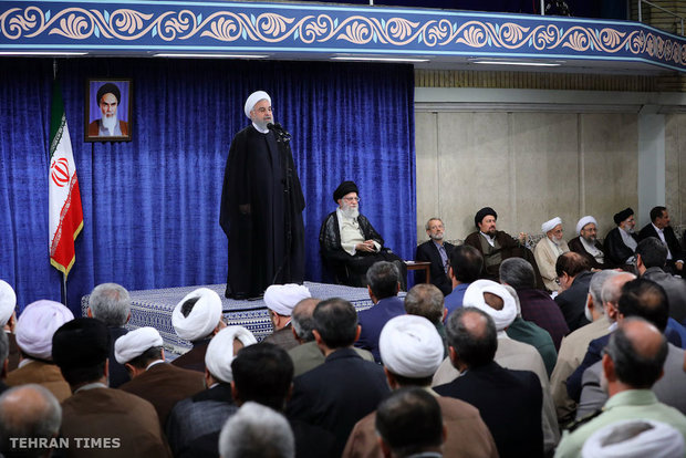 Heads of government branches, authorities meet with Ayatollah Khamenei