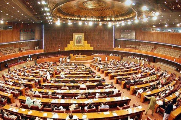 پاکستان میں قومی اسمبلی کے اسپیکر اور ڈپٹی اسپیکر کے انتخاب کے لیے اجلاس جاری