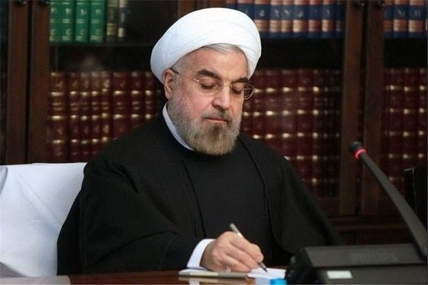 Rouhani felicitates Algeria on National Day