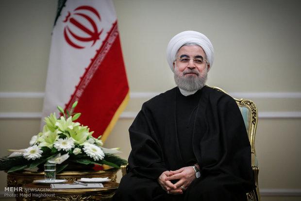Ruhani'den milli güreşçilere tebrik mesajı