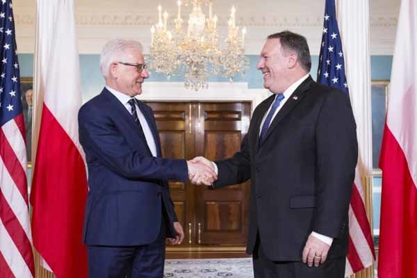 Poland opposes EU actions that would weaken sanctions on Iran