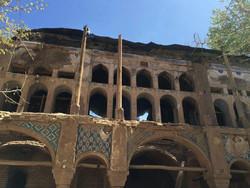 A view of Sarhang-Abad palace in Zavareh