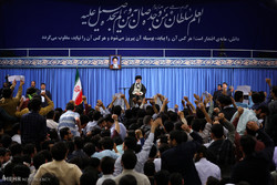 University students meet with Ayatollah Khamenei