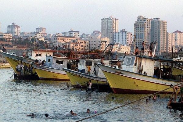 انطلاق مسيرة بحرية من ميناء غزة للمطالبة بكسر الحصار الاسرائيلي الغاشم