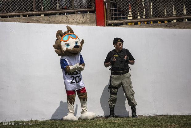 مسابقات فوتبال بین زندانیان پرویی
