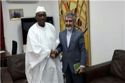 رسالة ظريف حول الاتفاق النووي تُسلم لنظيره السنغالي