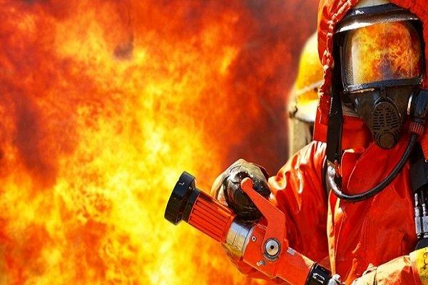 آتشسوزی یک فرند شناور در بوشهر مهار شد
