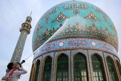 تعویض پرچم و شستشوی گنبد مسجد مقدس جمکران