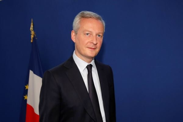 یلو ویسٹ مظاہرے جاری رہنے پر فرانس کے وزیر خزانہ کی تشویش