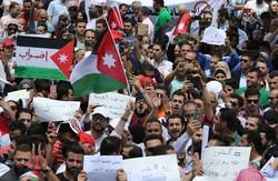 رئيس الوزراء الاردني هاني الملقي يقدم استقالته