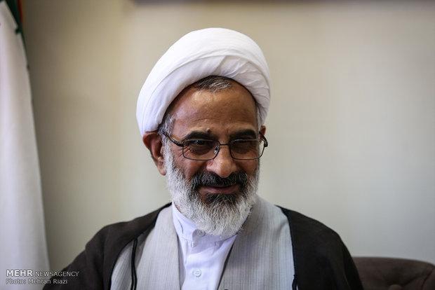 بسیج یاور مردم در سختی ها و مشکلات و ضامن بقای نظام اسلامی است