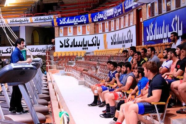 الإعلان عن تشكيلة المنتخب الإيراني للمصارعة الحرة والرومانية للشباب