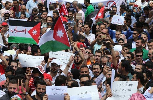 الأردن.. تجدد الاحتجاجات وانتشار أمني مكثف في العاصمة عمان