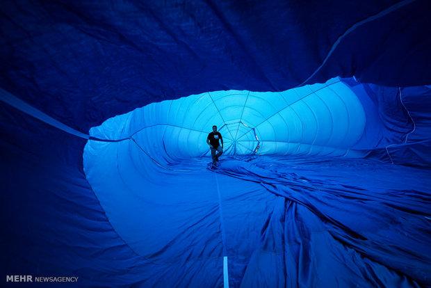 İspanya'daki renkli balon festivalinden kareler