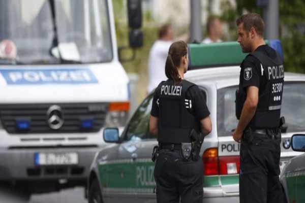 2797400 » مجله اینترنتی کوشا » حمله با سلاح سرد در شهر «اوبرهاوزن» آلمان 1
