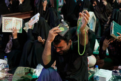کرمان میں انیسویں رمضان کی شب میں عبادت اور مناجات