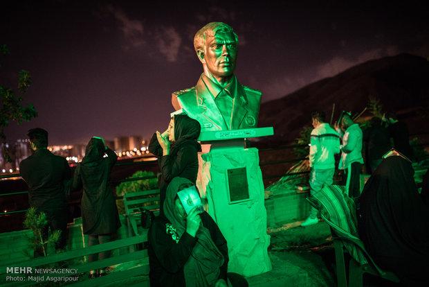 """مراسم احياء ليلة 19 من رمضان المبارك في """"مقبرة الشهداء"""" بطهران"""