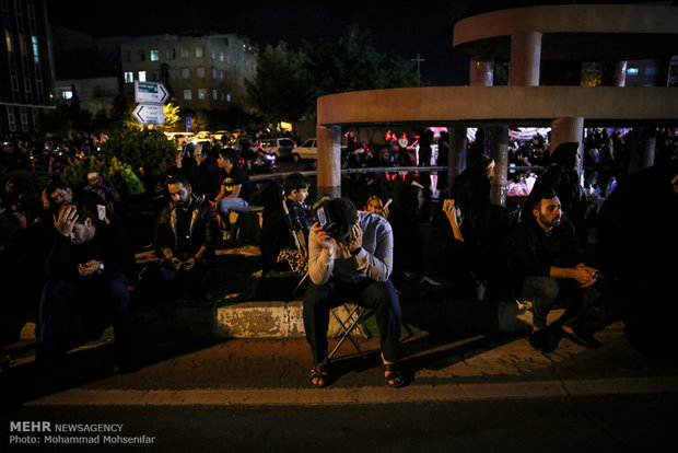 Tehraners mark Nights of Qadr on 19th night of Holy Month of Ramadan