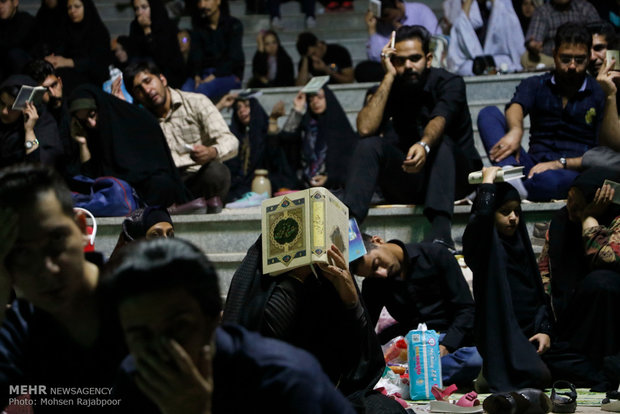 People in Tehran observe Night of Decree