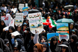Iran marks Intl. Quds Day with massive rallies