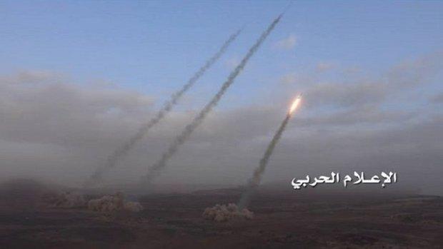 إطلاق دفعة من الصواريخ الباليستية على قواعد عسكرية بنجران وخميس مشيط