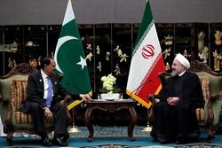 Ruhani, Pakistanlı mevkidaşı ile bir araya geldi