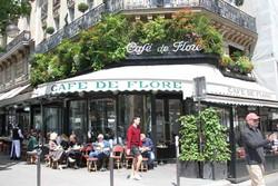 گشت و گذار در کافههای پاریسی/تفاخر فرانسوی همچنان زنده است