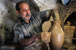 Hemedan'da yüzyılların geleneği çömlekçilik sanatı
