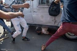 Fotoğraf: Hindistan polisinden Keşmirli göstericilere şiddet