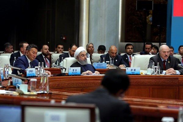 الرئيس الإيراني: العقوبات الأحادية تعوق مسار التجارة الدولية