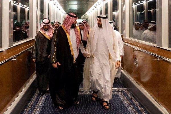 ميدل إيست آي:السعودية والإمارات تدفعان لاضطرابات بالبحرين