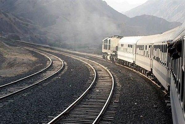 مهر گزارش میدهد؛ خطآهن بروجرد در ایستگاه تملک زمین/ سوت قطار تحول به صدا درمیآید