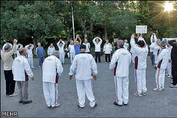 مربیان ورزشی در بوستانهای شهر تهران مستقر می شوند
