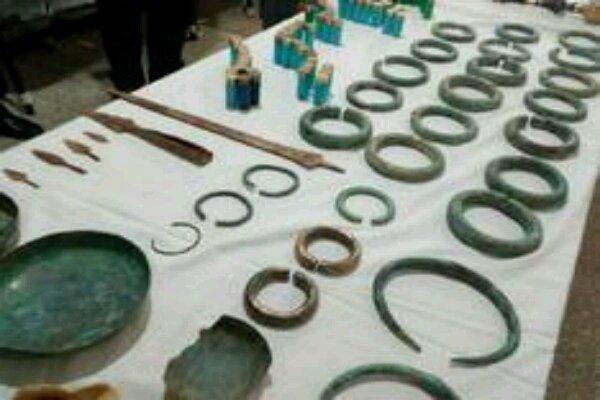 کشف اشیای باستانی با قدمت بیش از ۴ هزار سال در چرداول ایلام