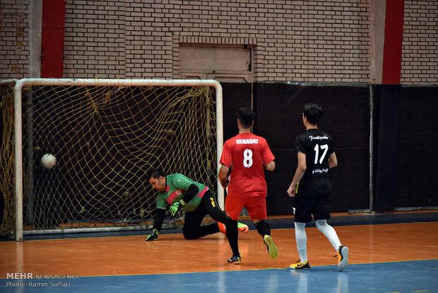 مباراة كرة الصالات بين فريق مشهد وفريق مهاجري افغانستان