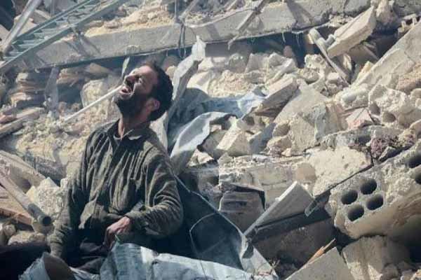 وحشت غیرنظامیان از بمبهای ائتلاف آمریکایی در سوریه