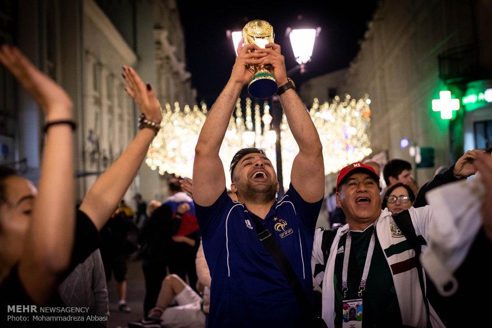 حضور طرفداران تیم های حاضر در جام جهانی در میدان سرخ مسکو