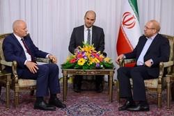 انتظار اینکه ایران «تحریم و برجام» را با هم بپذیرد اشتباه است/ اروپا در برابر آمریکا بایستاد