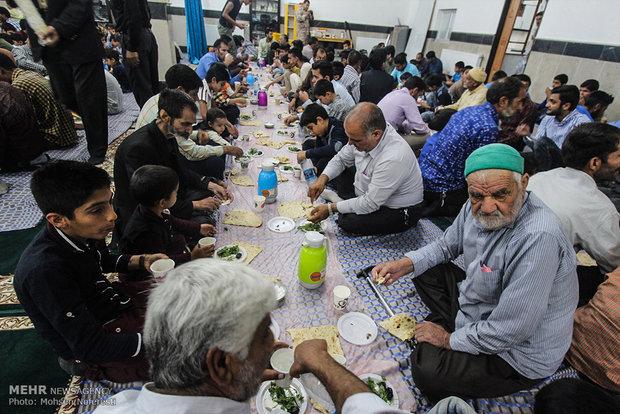 افطاری ساده در خراسان جنوبی