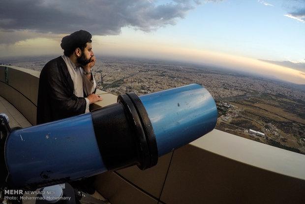 رویت ماه شوال در برج میلاد تهران