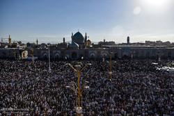 نماز عید سعید فطر در حرم  مطهر رضوی اقامه شد