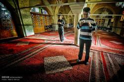 اعتقادات و باورهای دینی در بین جوانان تقویت شود