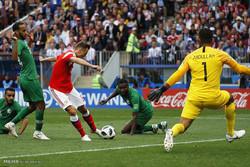 ورود دروازهبان خارجی موجب تضعیف فوتبال ملی است