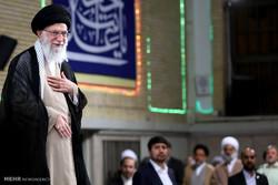 لقاء كبار المسؤولين وسفراء الدول الاسلامية مع قائد الثورة الاسلامية /صور