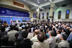 قائد الثورة الاسلامية يستقبل كبار المسؤولين الايرانيين