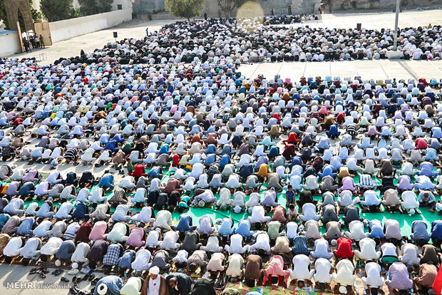 اقامه نماز عید سعید فطر در میناب - حبیب عید زاده